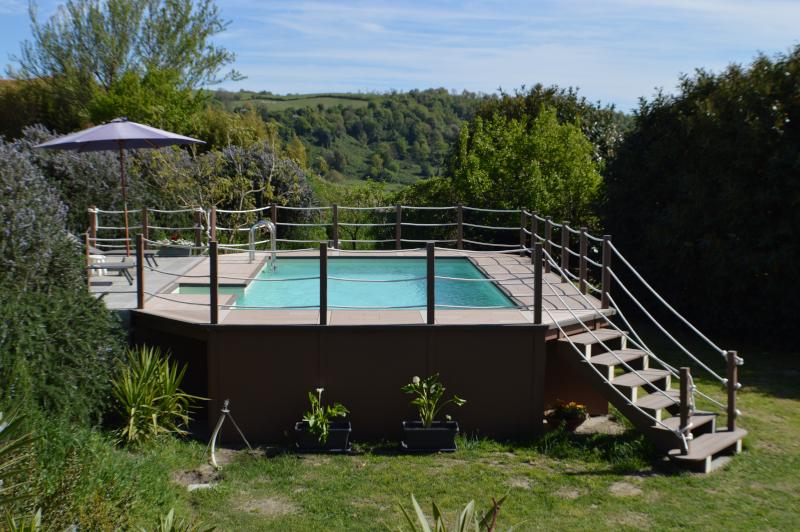 Piscina sopraelevata unicapool fuori terra cta piscine for Costruire piscina fai da te