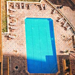 piscina-sopraelevata-albergo-bb
