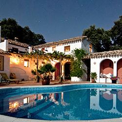 piscina-sopraelevata-case-ville